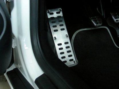 Sportovní opěrka nohy, Škoda Octavia II. 2004-2012